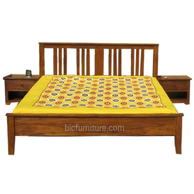 Simple wooden double bed crowdbuild for for Simple wooden bed designs pictures