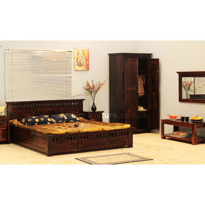 Wooden Bedroom Set (3)
