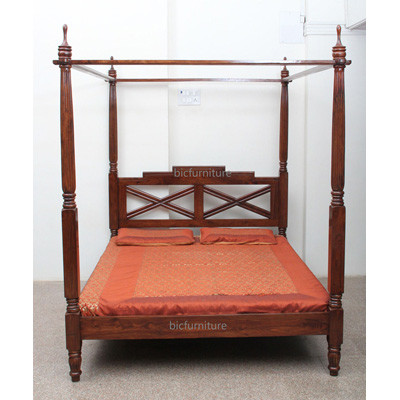 Four Poster Bed (1)