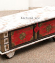 wooden_painted_blanket_box(2)