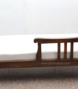 Chaise_lounge_in_teak wood 2