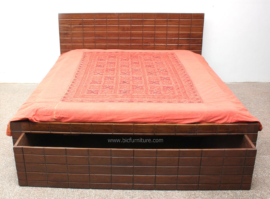 Teakwood_brick_design_double_bed 1