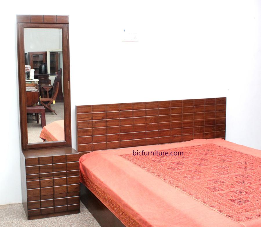 Teakwood_brick_design_double_bed 1