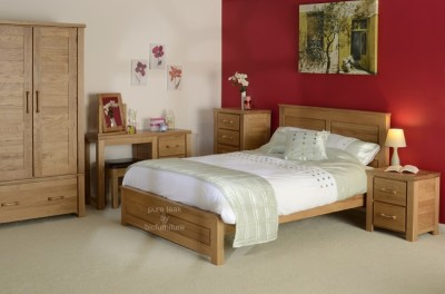 natural_finish_teak_bedroom_set