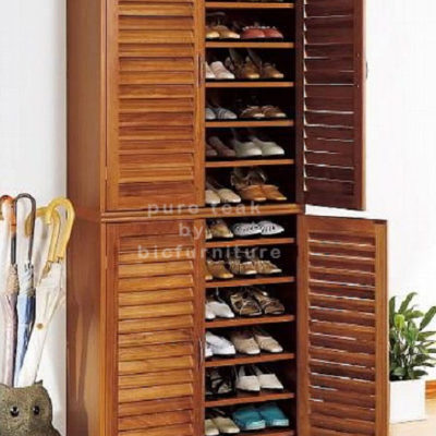 Family-Entryway-Shoe-Cabinet-look-loke-a-wardrobe copy