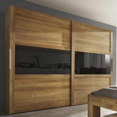 Modern_design_wardrobe_with_glass_door