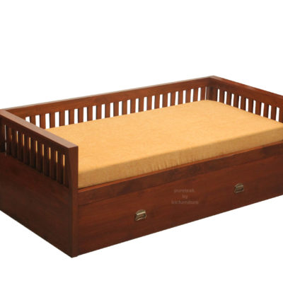 teakwood_bed_with_walnut_finish